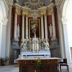 Eglise St-Joseph aux Breuleux (choeur et maître-autel)