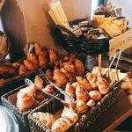 Super FrühstücksBuffet 🥖🧀🍳🍞🥐☕️ Service sehr freundlich und es ist für alle was vorhanden - Schinken, Käse, Eiern, Marmelade, Nutella... Croissant, Brot, auch Glutenfrei...und ObstSortiment ...  -Perfecto👍🏼