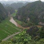 Vista del Río Ngo Dong desde  Cueva Mua