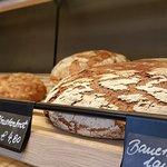 frisches Brot in unserem Backshop