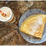 La Belle Crêpe is an ideal place to have a salty and/or great dessert crepes!  We do excellent coffee too!