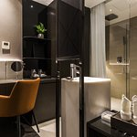 Superior Double with marble stone's sink and toilet