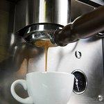 extracción de café en filtro naked
