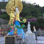 極彩色の仏像群