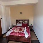 Schlafzimmer mit Gepäckablage, Wasserkocher, Trinkwasser