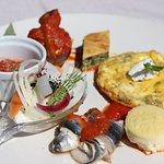 Assiette de dégustation de produits insulaires : autour du Brocciu