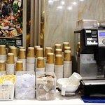 熱水、茶包、咖啡機