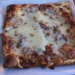 Kids' cheese pizza