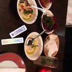 Un assortiment super bon très frais et je vous recommande vivement ce restaurant surtout limonade libanaise 👍👍👍