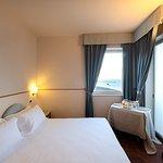 Camera matrimoniale/ Doppia con vista mare   -  servizio colazione in camera.