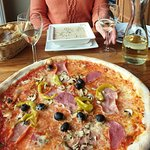 Pilzsuppe, Pizza und Weinschorle - alles vorzüglich