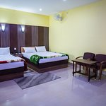 Delxue Double Room with Private Bathroom