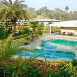 Hummingbird Resort Photo