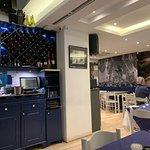 Foto de King's Own Band Club Bar & Restaurant