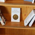 L'abbaye propose aussi une vente d'ouvrages religieux