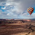 beautiful views from the hot air balloon over arches national park