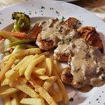 Filets de poulet sauce forestière