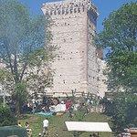 Castello di Romeo, esterno