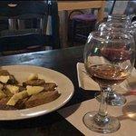 Valokuva: Ampelostrates Stables and Restaurant