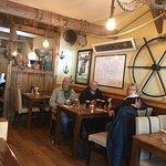 Zdjęcie Veldon's Seafarer Bar and Restaurant