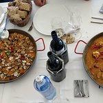 Paella de berberechos y paella de bogavante