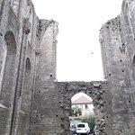 Église Saint-Mathurin, ruines extérieures