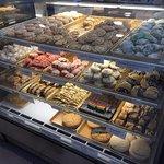 ภาพถ่ายของ Mike's Pastry