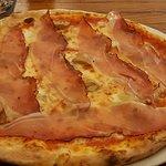 Pizza con lo speck