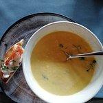 Кукурузный суп с брускеттой