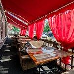 Летняя веранда ресторана Васаби