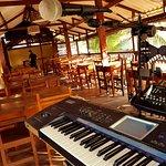 los sabados te entretenemos con musica en vivo!