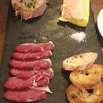 Entrée autour du canard (planche pour 2 à partager) : rillettes, magrets, foie gras maison et cr