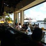 Foto de 5 O'Clock Somewhere Bar & Grill