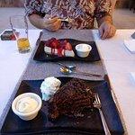 Foto van Golden Moon champagne steak house