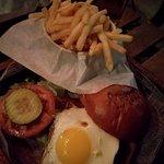 ภาพถ่ายของ Juanchi's Burger