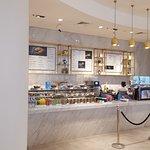 صورة فوتوغرافية لـ Marks & Spencer Cafe