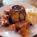 صورة فوتوغرافية لـ The Swine That Dines