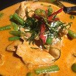 Photo de Vees Bistro - Thai Food