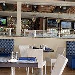 Foto Coastal Blue Oceanside Bar & Grill