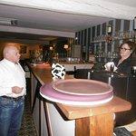 le bar comptoir avec annie  et jen jacques