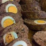 Ρολό κιμά (Stuffed beef egg roll )