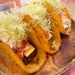 ภาพถ่ายของ Charlie's Tacos Kokusai Steet