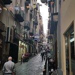 La rue, lieu de vie par excellence à Naples.
