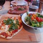 Photo de L'étiquette restaurant et bar à vin