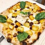 Pizza con Baccalà, Patate al Rosmarino e Olive Taggiasche