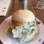 Heerlijke Club Sandwiches en hamburgers!