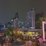 Photo de Heaven Rooftop Bar & Lounge