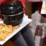 L'une de spécialités ! Les Moules frites à déguster de préférence à la pleine saison !