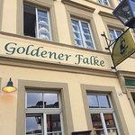صورة فوتوغرافية لـ Goldener Falke