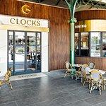 Foto de Clocks at Flinders